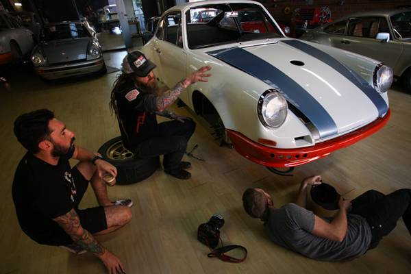 Magnus-Walker-911-STR-08.jpg