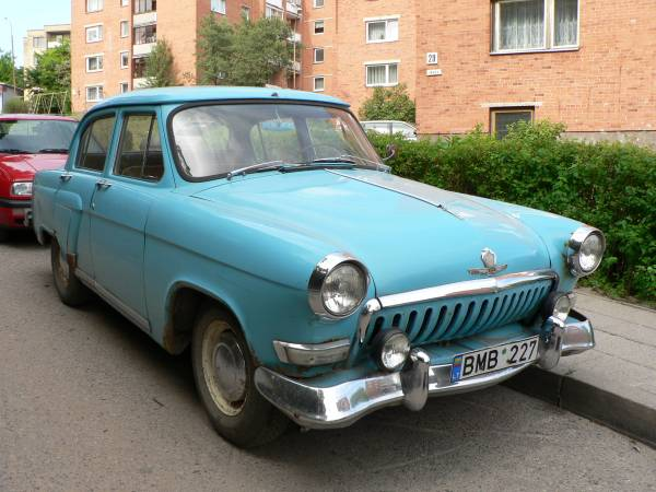 GAZ-21_(2nd_series_'i')_'Volga'_in_Lithuania.jpg